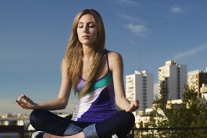 Mediter dig sund og glad med mindfulness.
