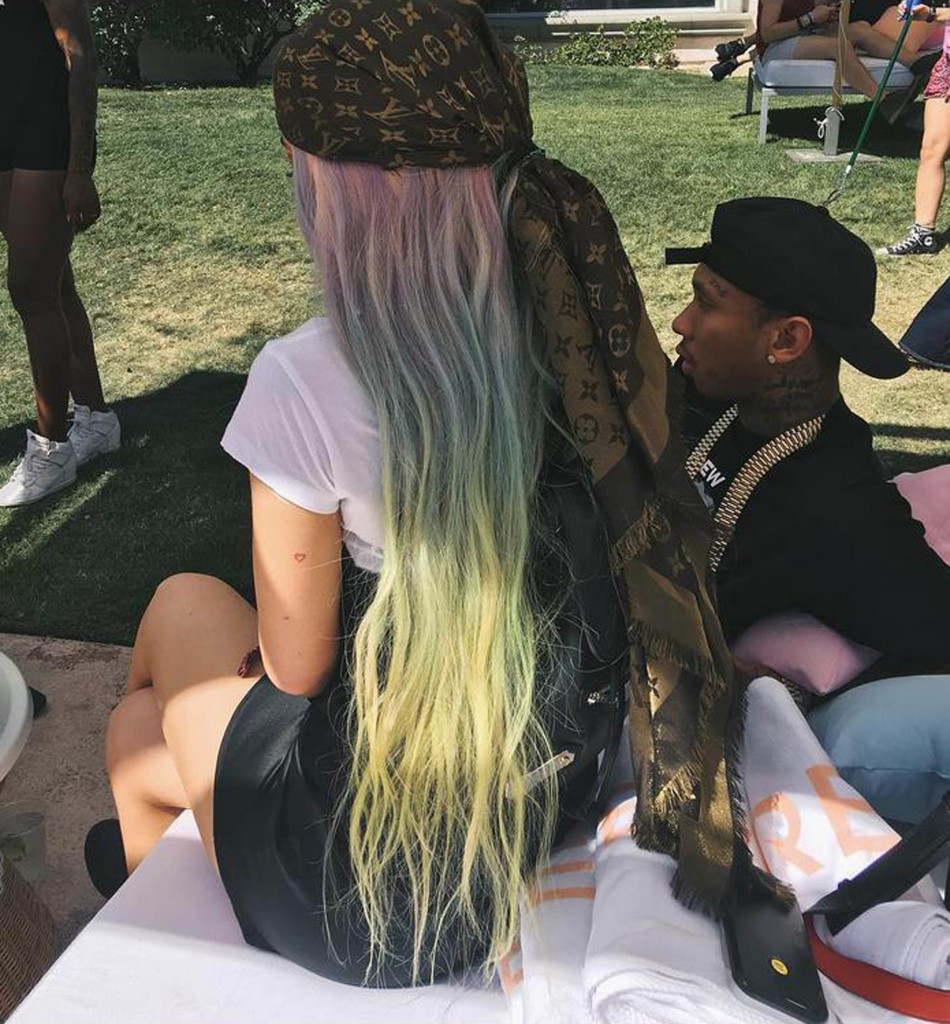 18-4-2016 Kylie Jenner at Coachella with Tyga Pictured: Kylie Jenner PLANET PHOTOS www.planetphotos.co.uk info@planetphotos.co.uk +44 (0)20 8883 1438