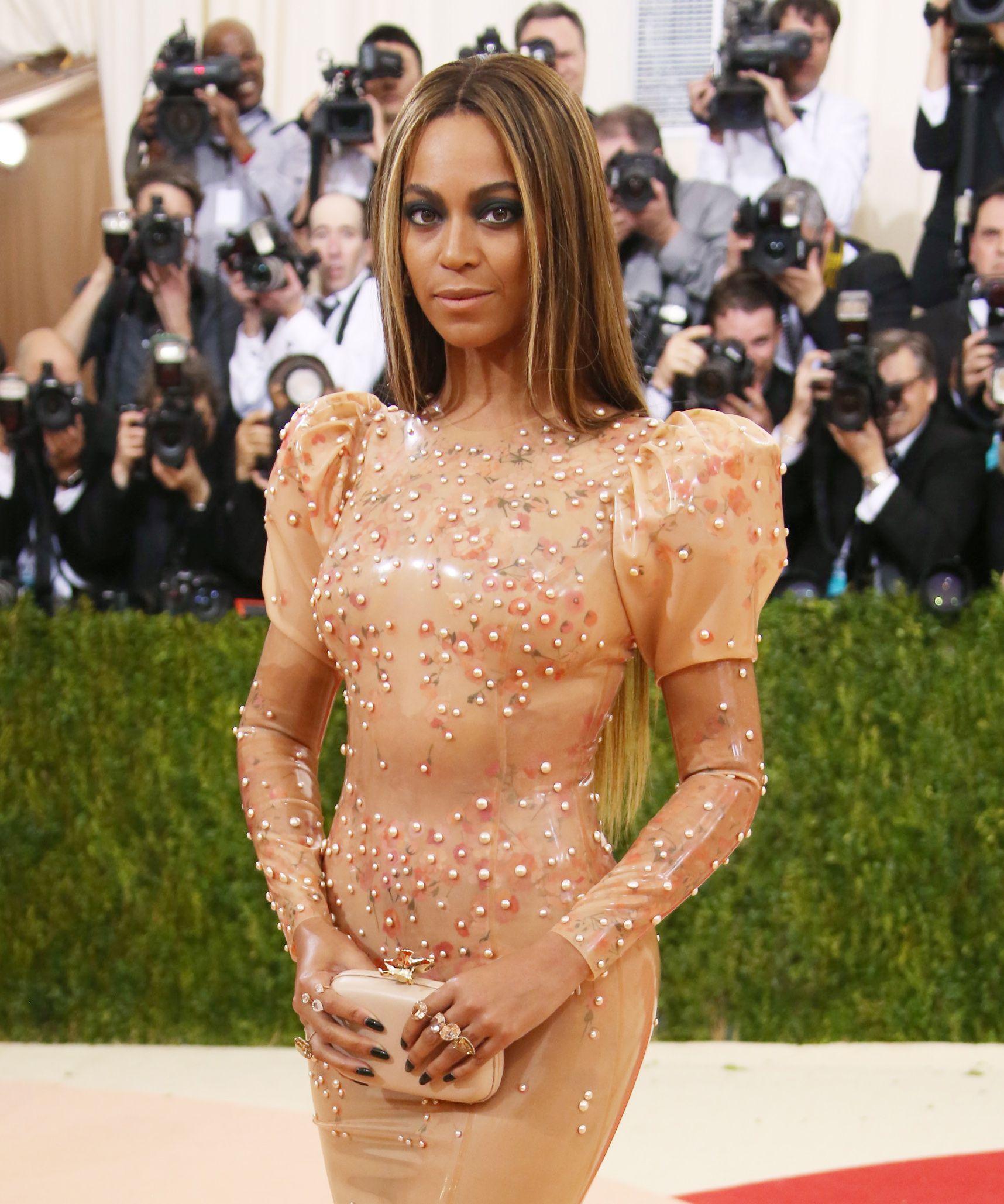 Beyoncé til Met Gala 2016. (Foto: All Over)