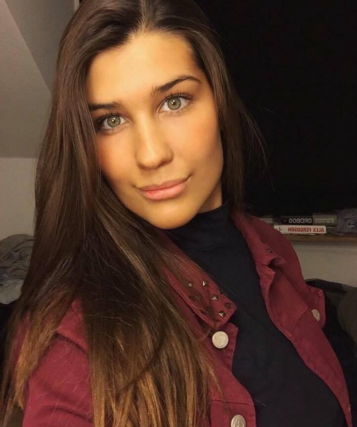 Simone Saron handler ikke længere tøj på udenlandske netsider, efter flere uheldige oplevelser. Foto: Privat