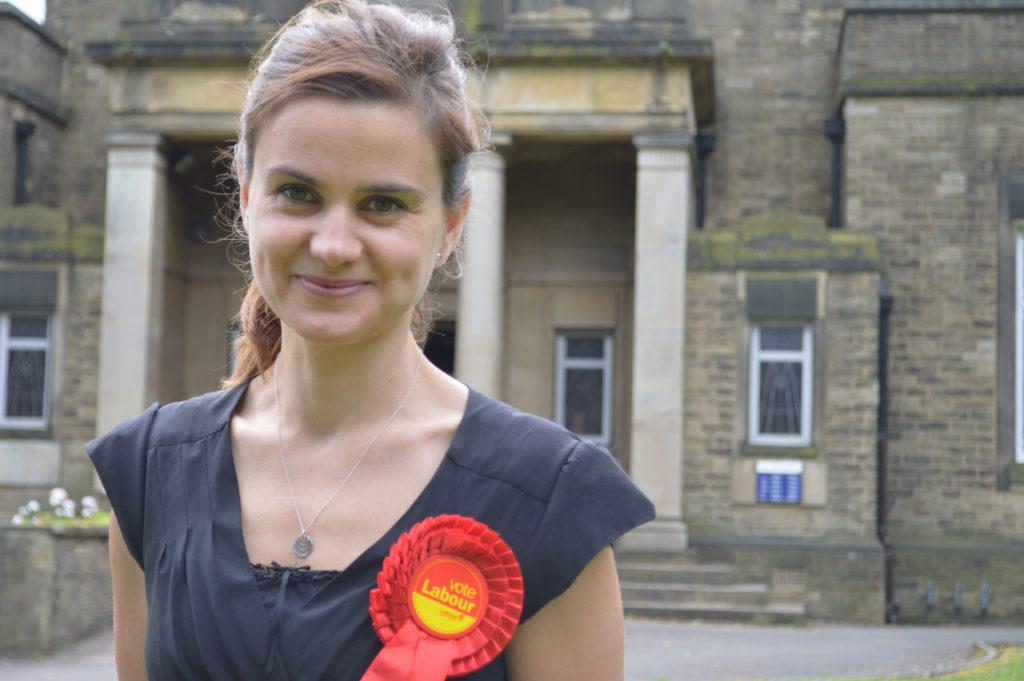 Den britiske politiker Jo Cox er død efter hun blev skudt og stukket ned i et voldsomt angreb. (Foto: Polfoto)