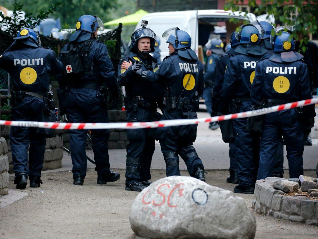 Kvindelig betjent hænges ud på hjemmeside over Task Force Christiania-betjente. (Foto: Polfoto)