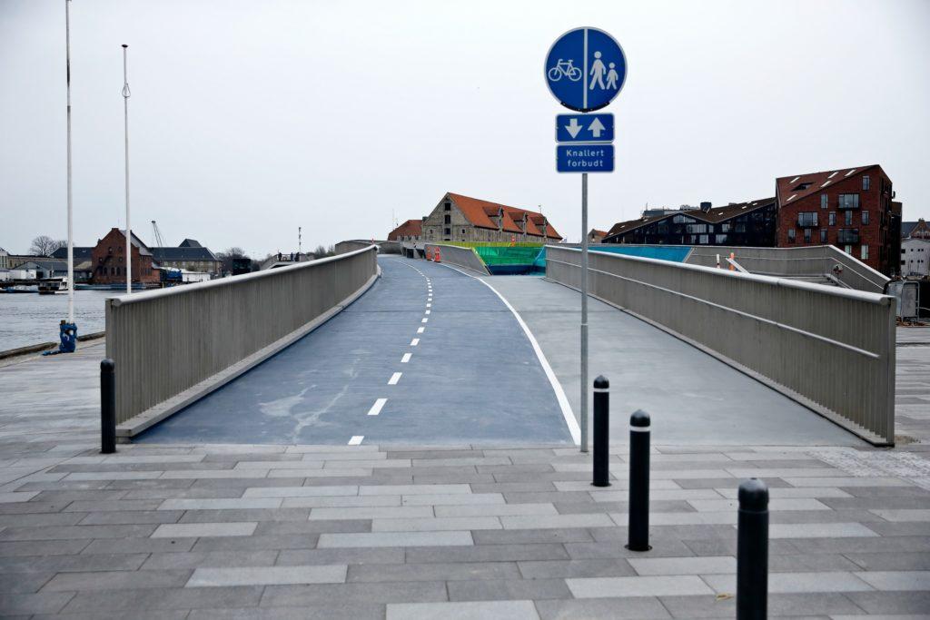 Inderhavnsbroen er endelig åbnet. (Foto: Polfoto)