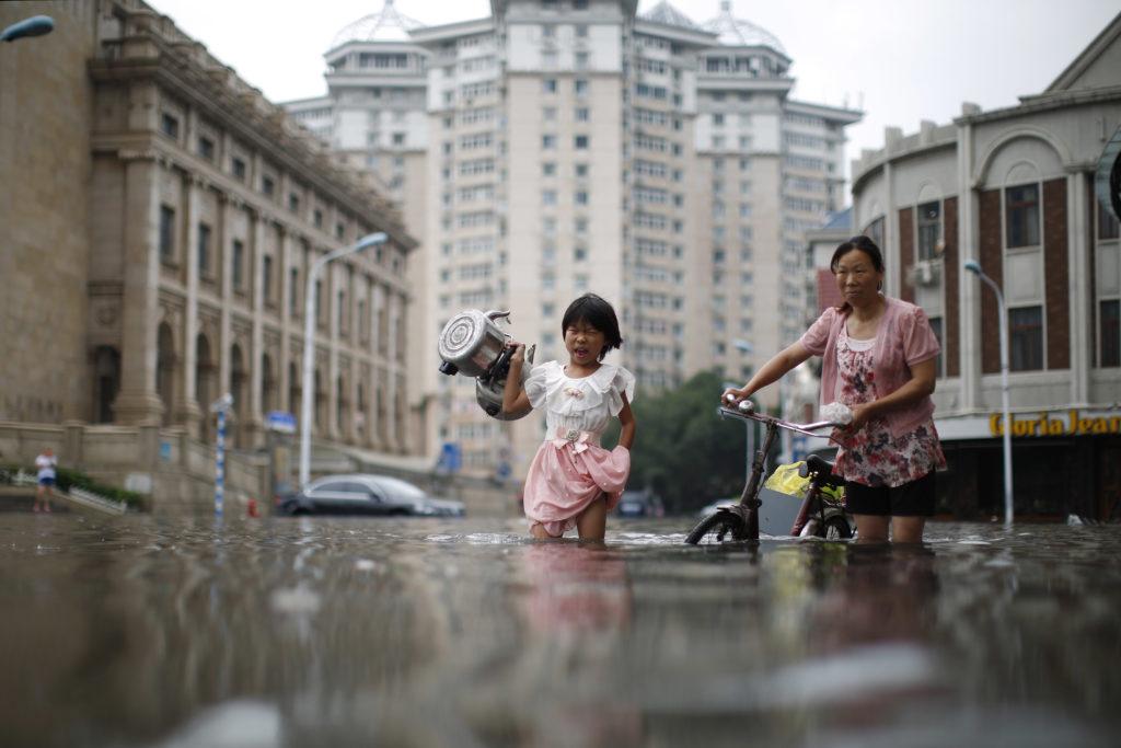 Kina er ramt af voldsomme oversvømmelser. (Foto: Polfoto)