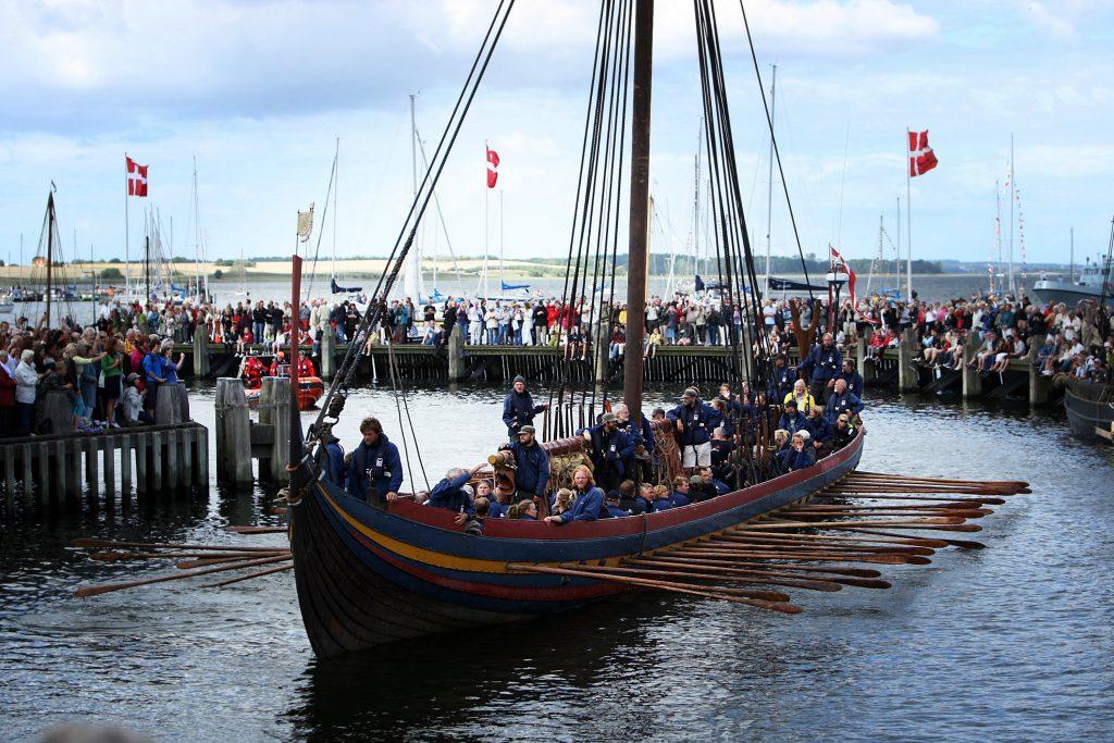 Havhingsten fra Glendalough er vendt hjem til vikingeskibsmuseet i Roskilde.