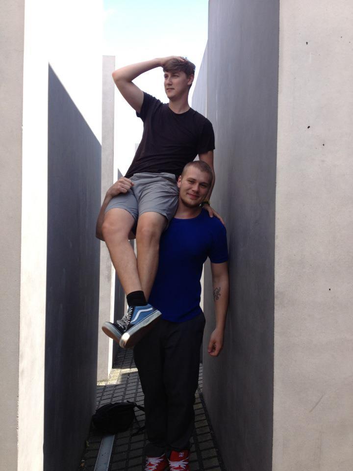 Jeppe tør godt vise svagheder sammen med sin bro Thomas. (Foto: Privat)