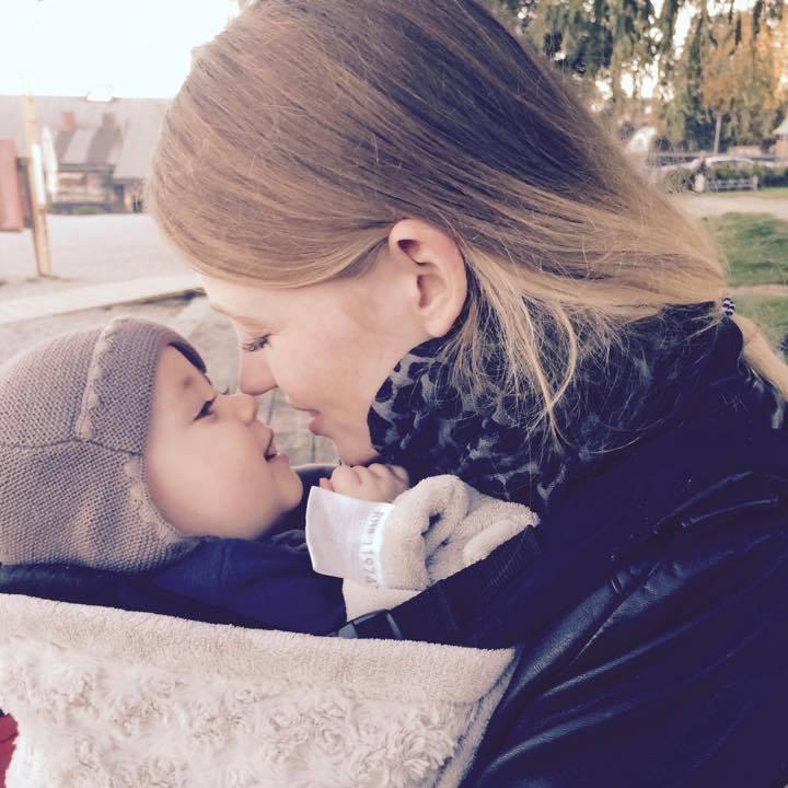 Marie med sin søn. (Foto: Privat)