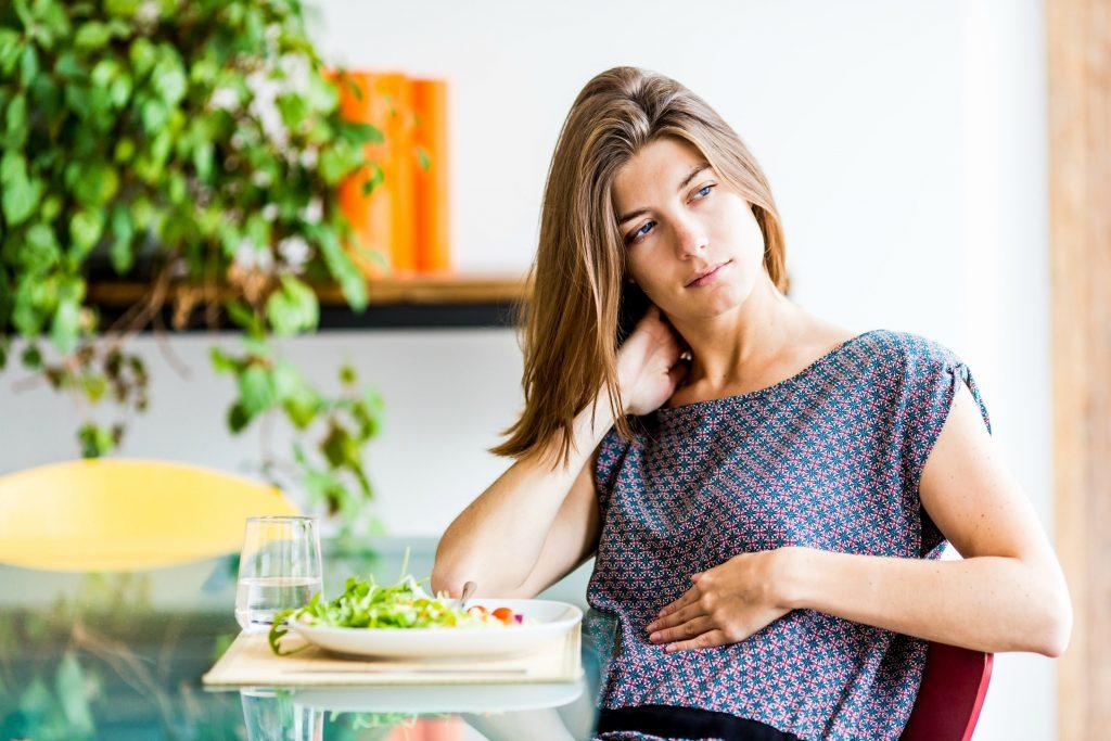 En oppustet mave er tegn på tarme i ubalance. (Foto: All Over)