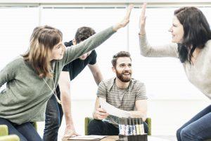 #Generation Y er innovative og går op i et godt samarbejde og sparring med kollegaer og chefen. (Foto: All Over)