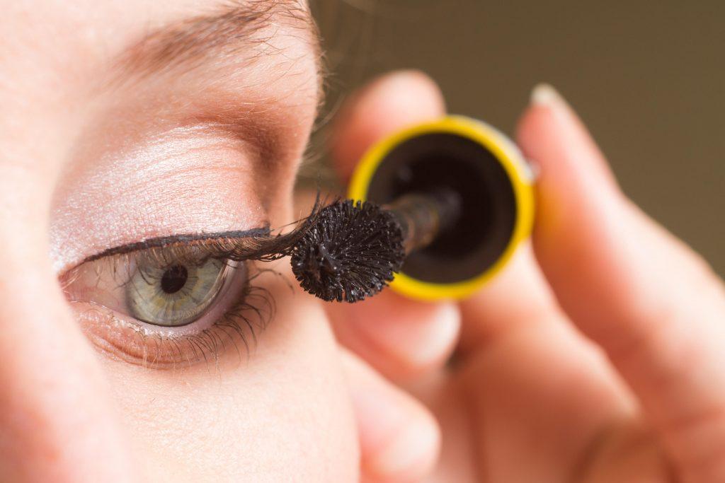 Råd til morgenrutinen: Sådan bliver du hurtigere klar om morgenen Mascara