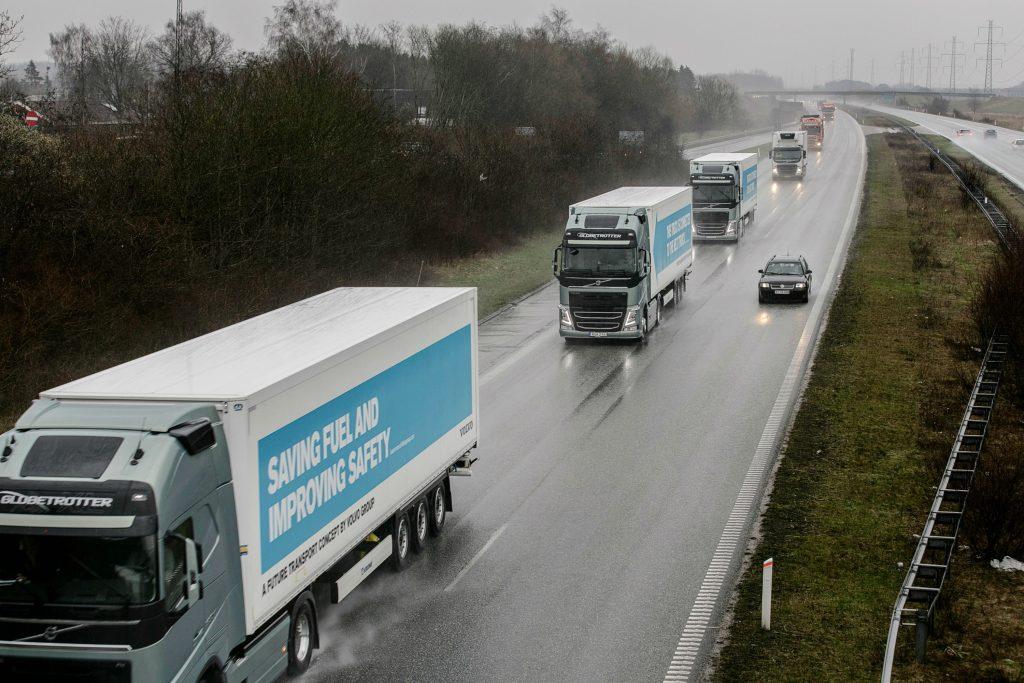 Lastbiler skal køre på el og luftkabler. Det er i hvert fald drømmen. (Foto: Polfoto)