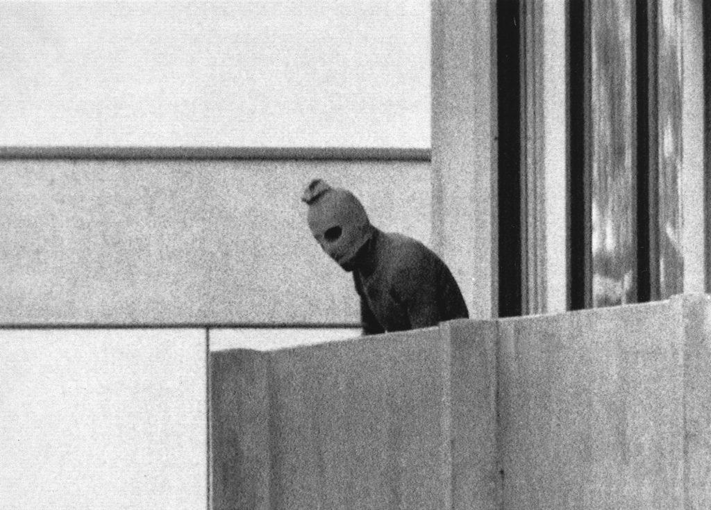 Sorte September tog 11 israelske atleter til fange under OL. Alle atleter døde under terroraktionen. (Foto: Polfoto)