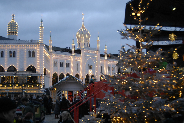Jul i Tivoli i København som vinterdate (Foto: All Over)