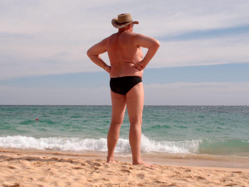 Mange mænd er glade for den bette badebuks. Både på stranden og i svømmehallen. (Foto: All Over)