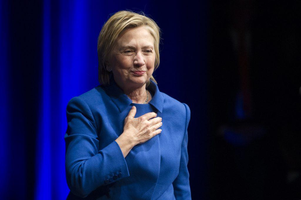 Clinton var tydeligt stadig berørt af nederlaget. (Foto: Polfoto)