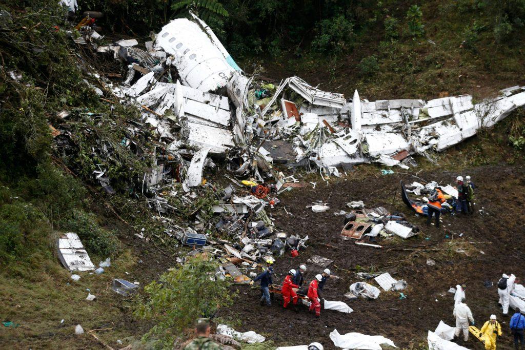 Fly med brasiliansk fodboldhold løb tør for brændstof. (Foto: Polfoto)