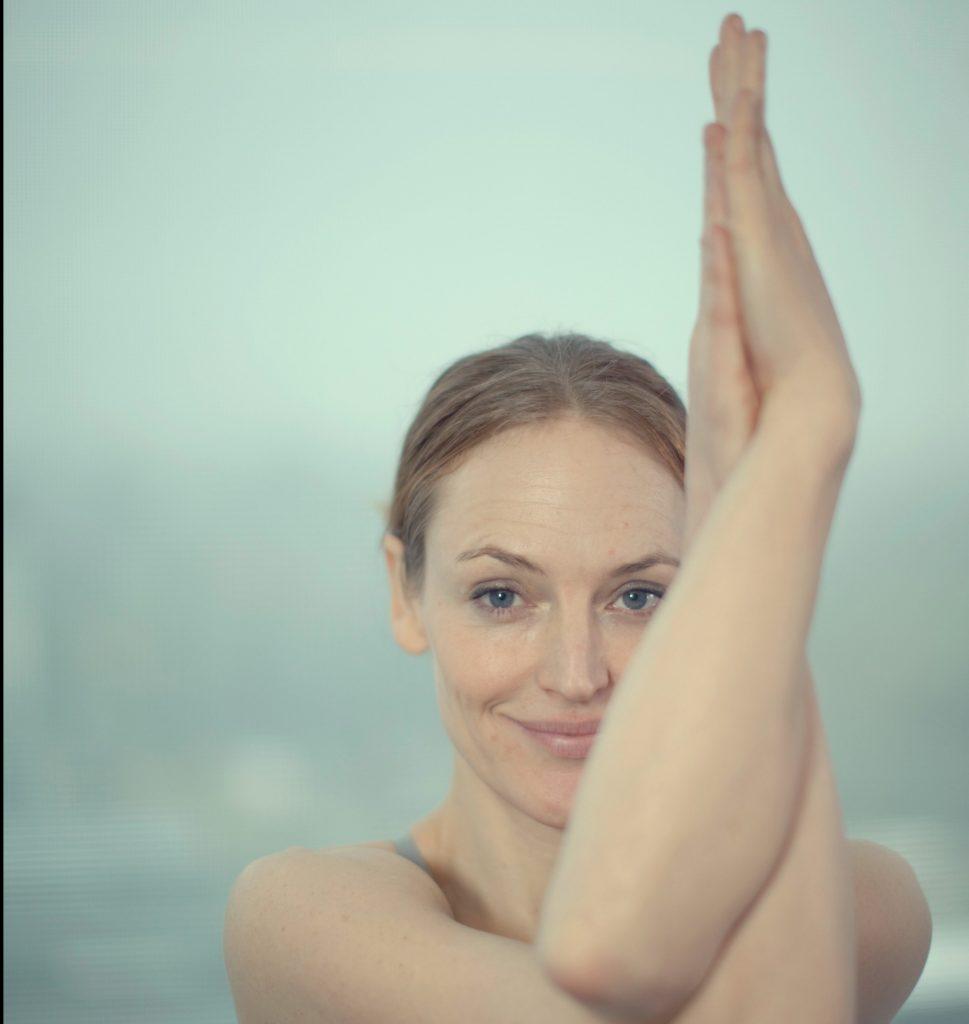 Sisse gik fra krigsjournalistik til yoga: Soldaterne synes, det er megahårdt. (Foto: Sisse Jensen Dall)