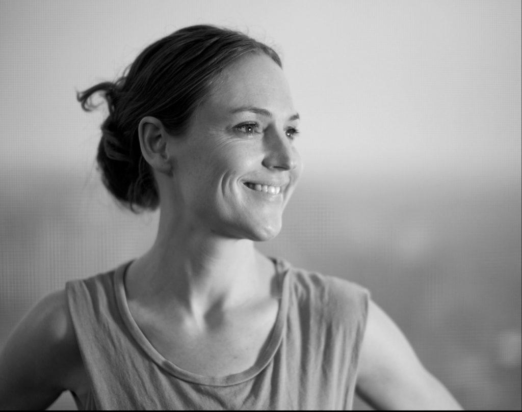 """Sisse er en af bagkvinderne bag yoga streamingtjenesten yogavivo og bogen """"Yoga for Sportsfolk"""". (Foto: Sisse Jensen Dall)"""