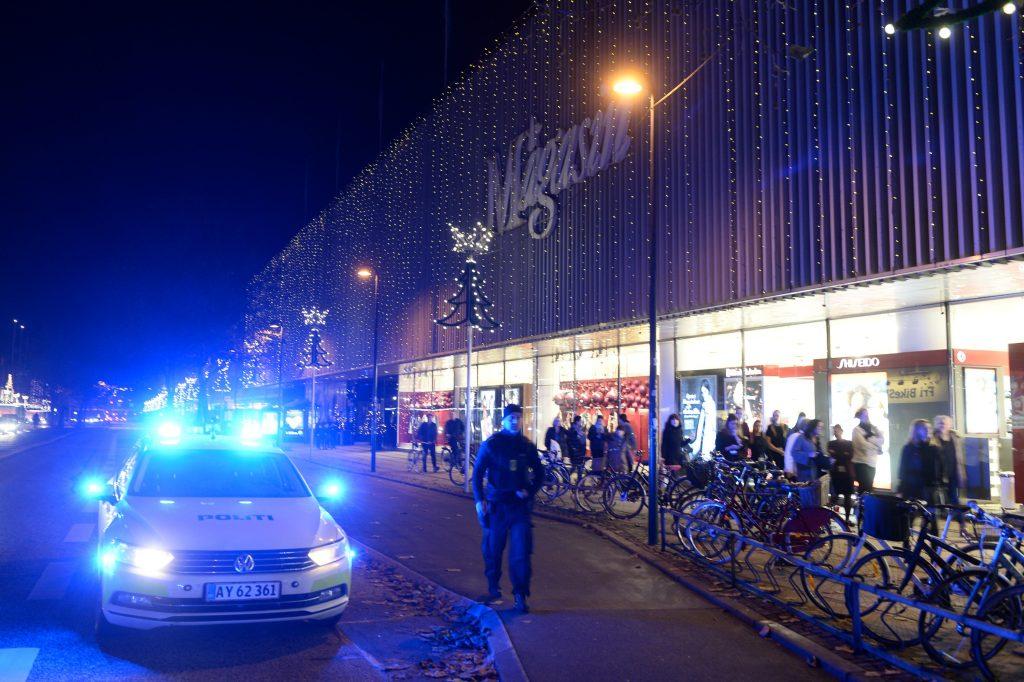 Mand og kvinde skudt i Magasin Lyngby. (Foto: Polfoto)