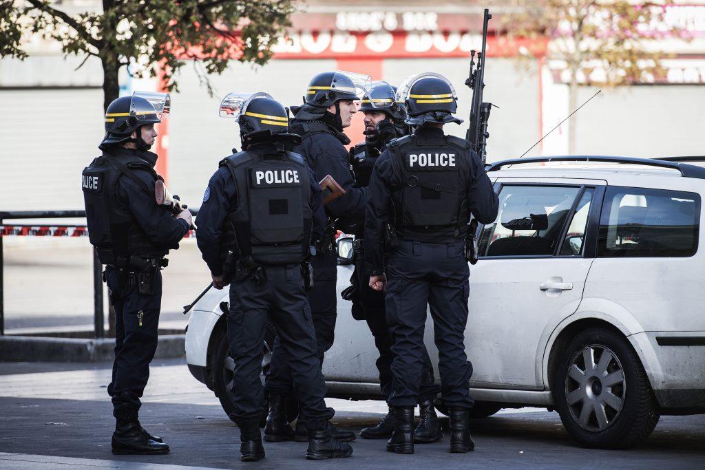 Fransk politi anholder syv og forhindrer terrorangreb