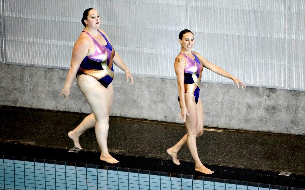 Selv synkronsvømmere kan have forskellige kroppe. Her til World Out Games 2009. (Foto: Polfoto)