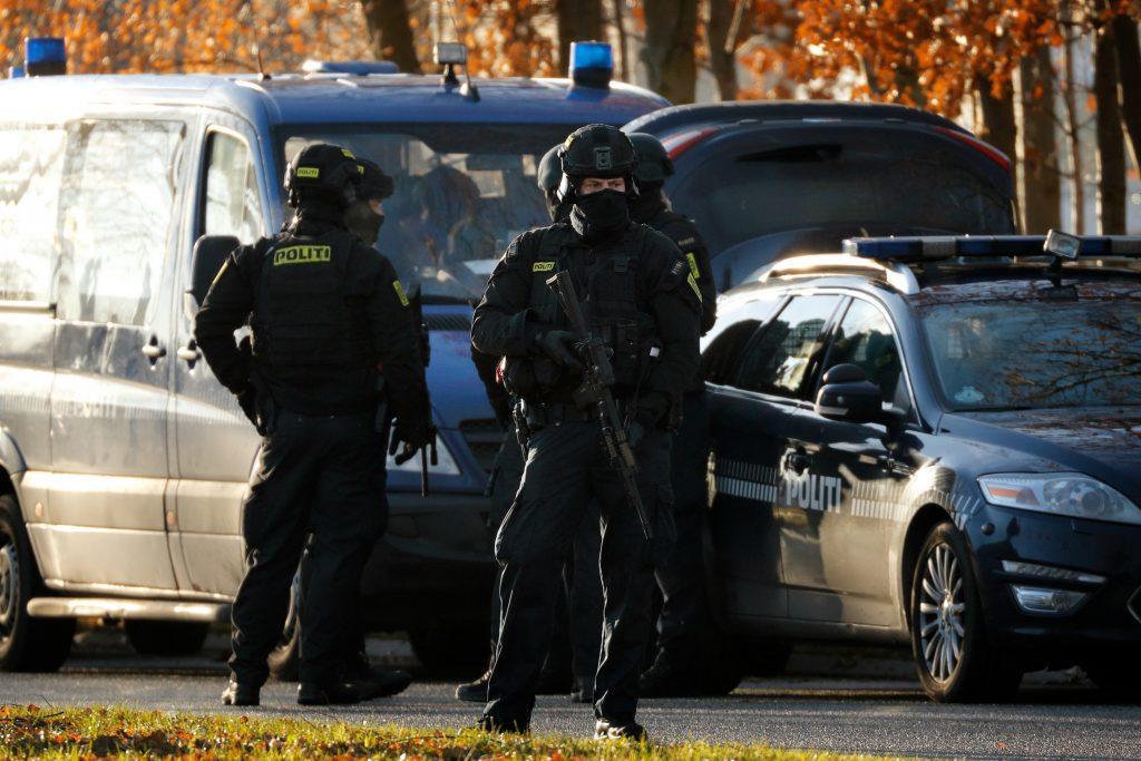 Politimand død efter skudepisode