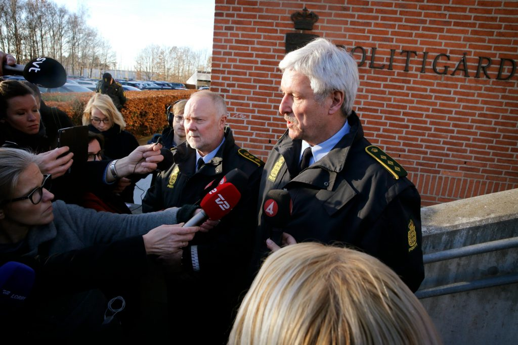 Politidirektør Kim Christiansen, til venstre, og ledende politiinspektør Mogens Lauridsen, tirsdag på et pressemøde på politigården i Albertslund. (Foto: Polfoto)