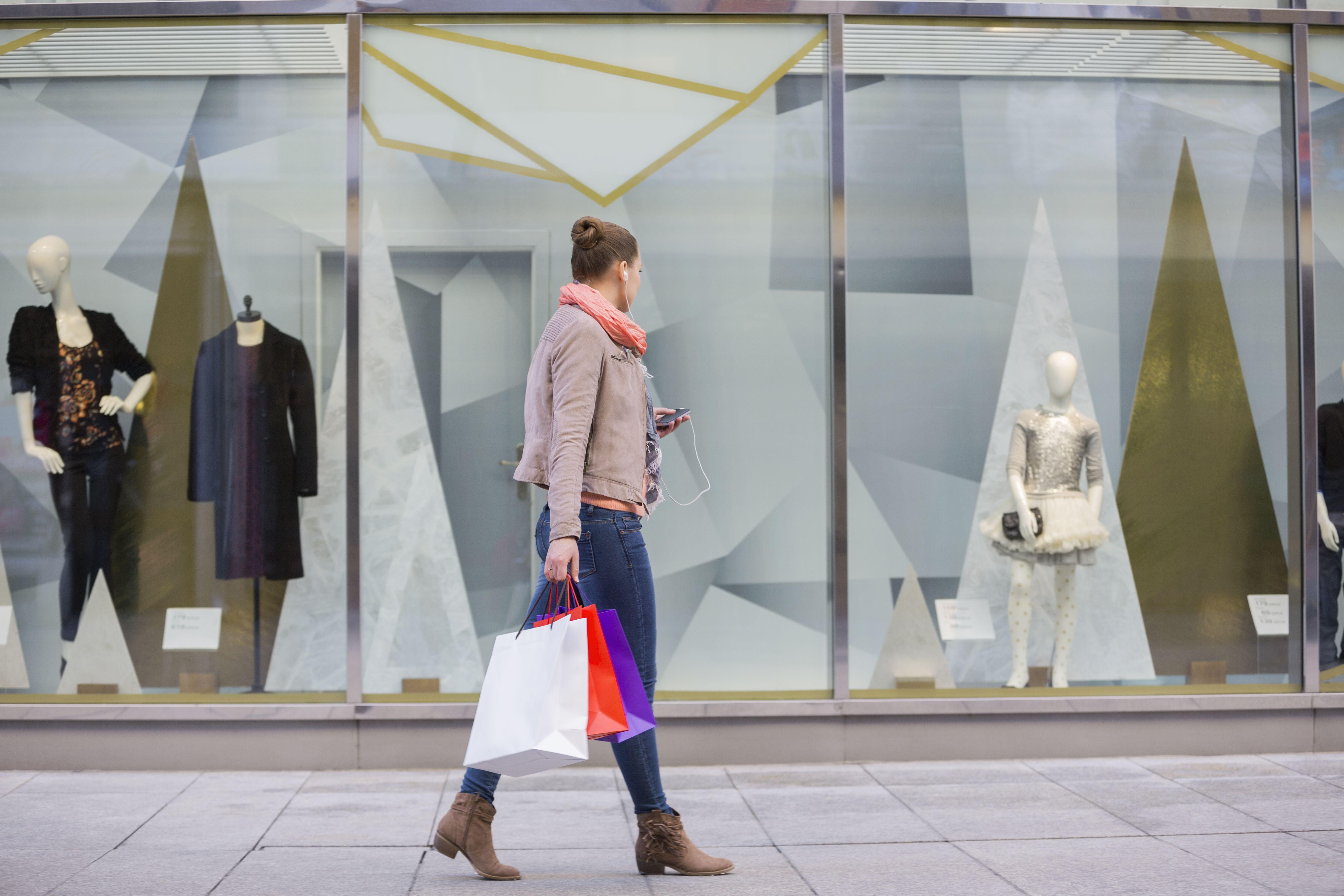 shopping, dårlig selvtillid, mindreværd, usikkerhed, udseende, mobilspil, covet fashion