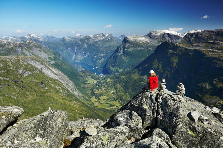 Pige på trekking i Norge (Foto: All Over)