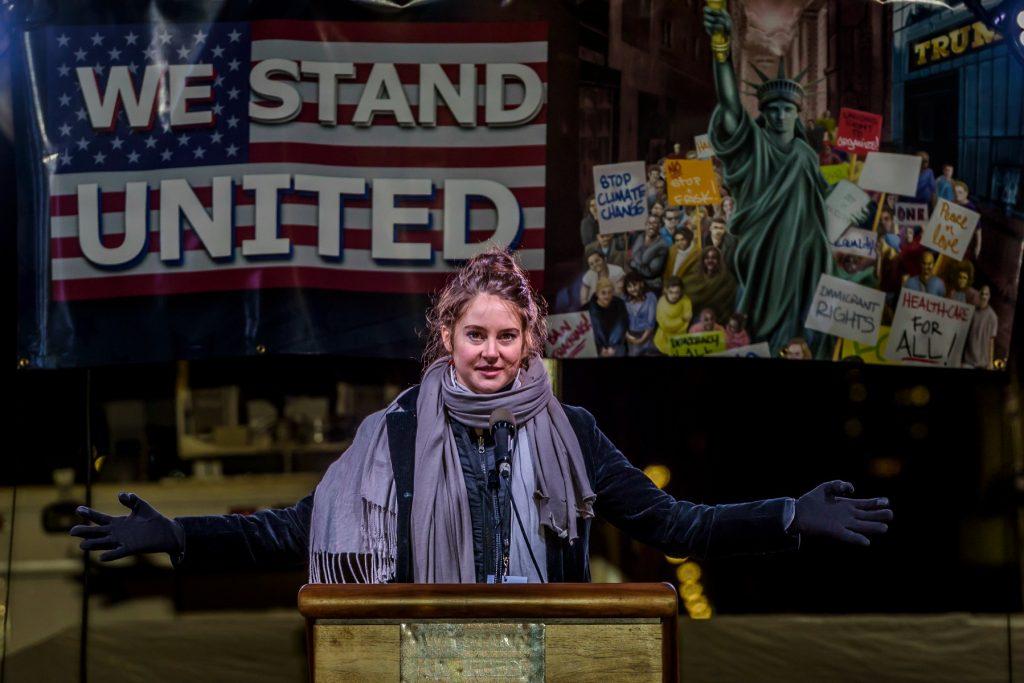 Shailene Woodley var en af de stjerner, der protesterede mod Trump I New York i januar. (Foto: All Over)