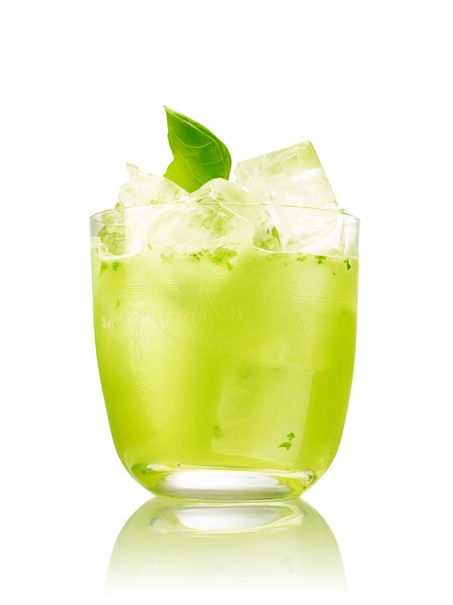 Cocktail - Gin Basil drink, gin basil smash