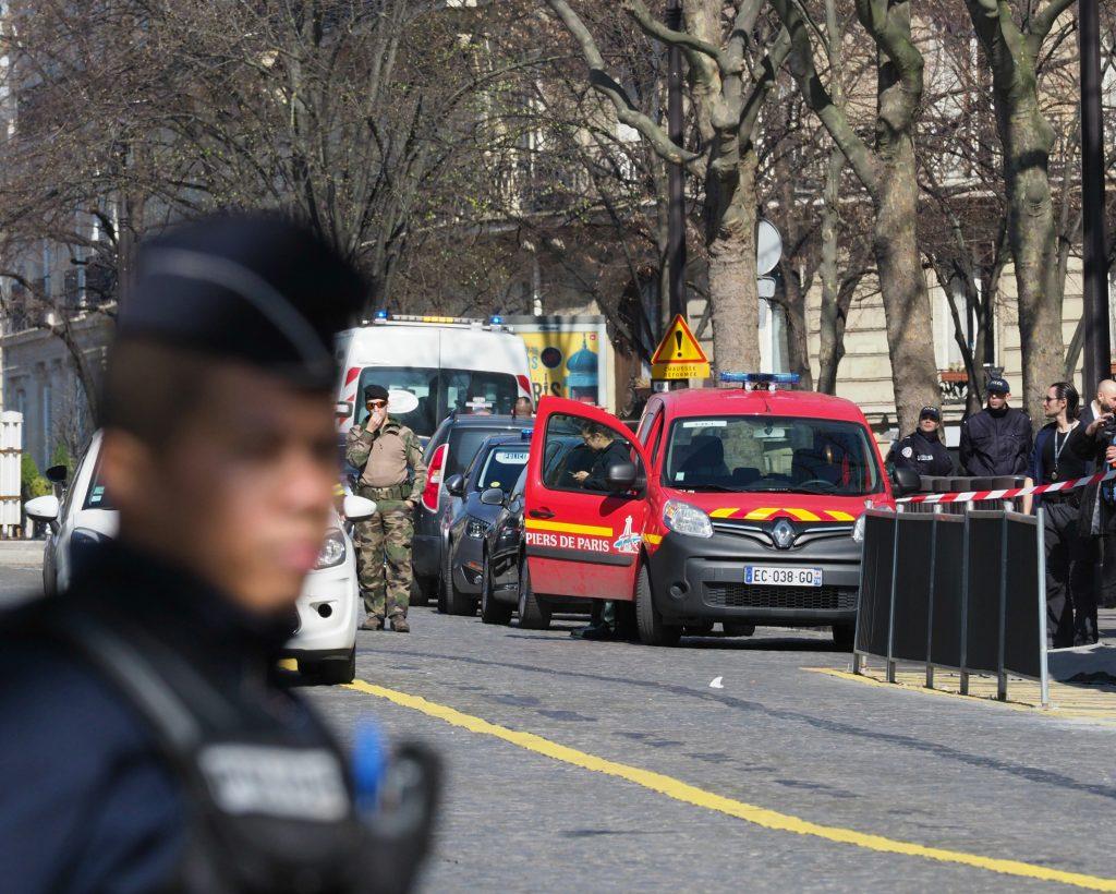 IMF, valutafonden, paris, politi, brevbombe, bombe