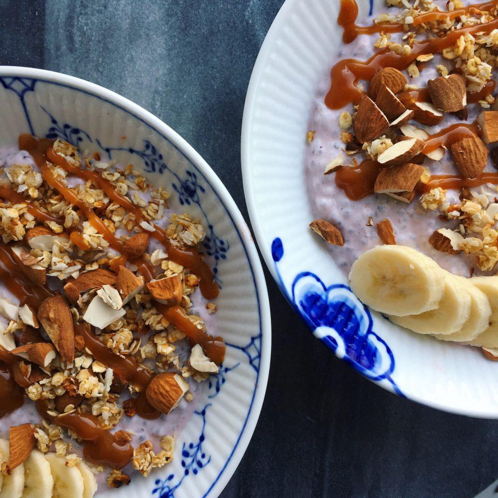 glutenfri chiagrød glutenfri chiagrød, mandelmælk, skyr, opskrift
