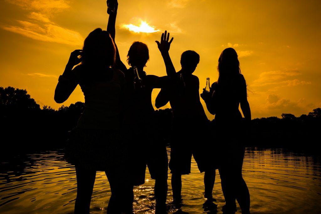 spring break, forårsferie, ferie, unge, druk, sex, stoffer, alkohol, dyremishandling, miljøsvineri, skrald, oprydning, fest, strand, sol, sommer, studerende, skole, college, florida, mexico, build that wall, respektløs, udland, rejse