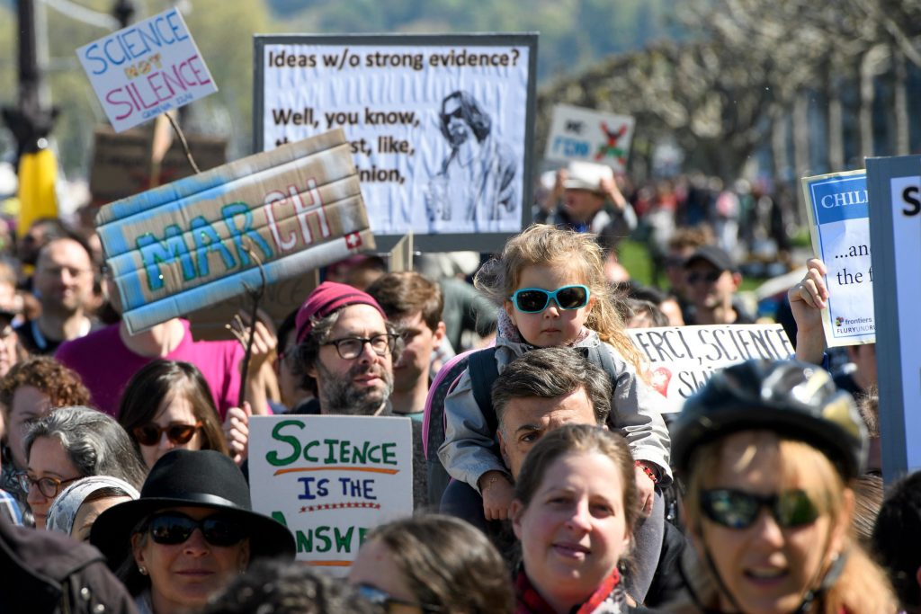 march for science, videnskabn, forksning, fakta, falske fakta, fake news, verden,