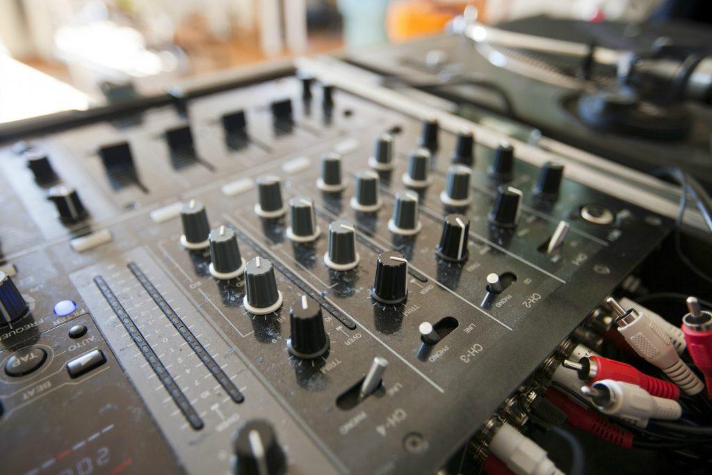 oplevelser kultur dj pult lyd musik fest koncert