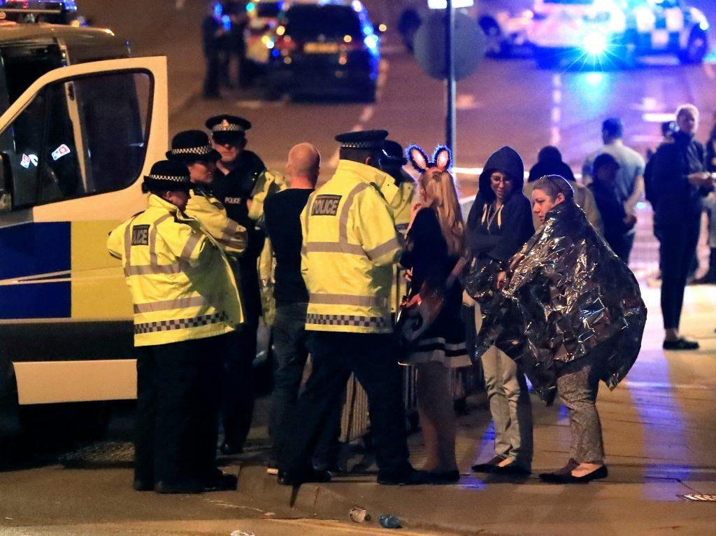 Ariana grande, koncert, musik, unge, fest, eksplosion, bombe, døde, sårede, politi, udland, krimi, terror, terrorangreb,