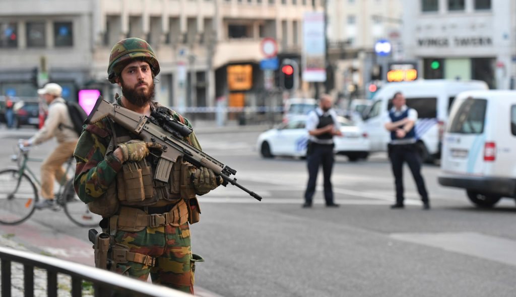 belgien, bruxelles, gare centrale, eksplosion, terror, terrorangreb, formodet gerningsmand, gerningsmand, død, tilskadekomne, belgisk politi,
