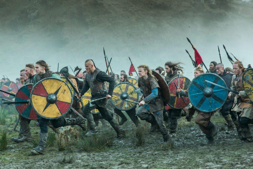 hbo nordic, hbo, serie, ragnar lothbrok, ragner lodbrog, vikings, viking, vikingesagn, sagnkonge, sagn, saga, vikingesaga, sagaen om ragner lothbrok og hans sønner, travis fimmel, saxo, aslaug, thora, lagertha, hvitserk, ivar, bjørn, sigurd, harald, paris, siege of paris, charles den skaldede, tog, viking, vikingeskibe, danmark, norge, sverige, ivar, sigurd, ubbe, bjørn, bjorn, hvitserk, kong aelle, england, blodørnen, død, krig, kamp, europa, plynring, hævn, hævntogt, plyndringstogt,
