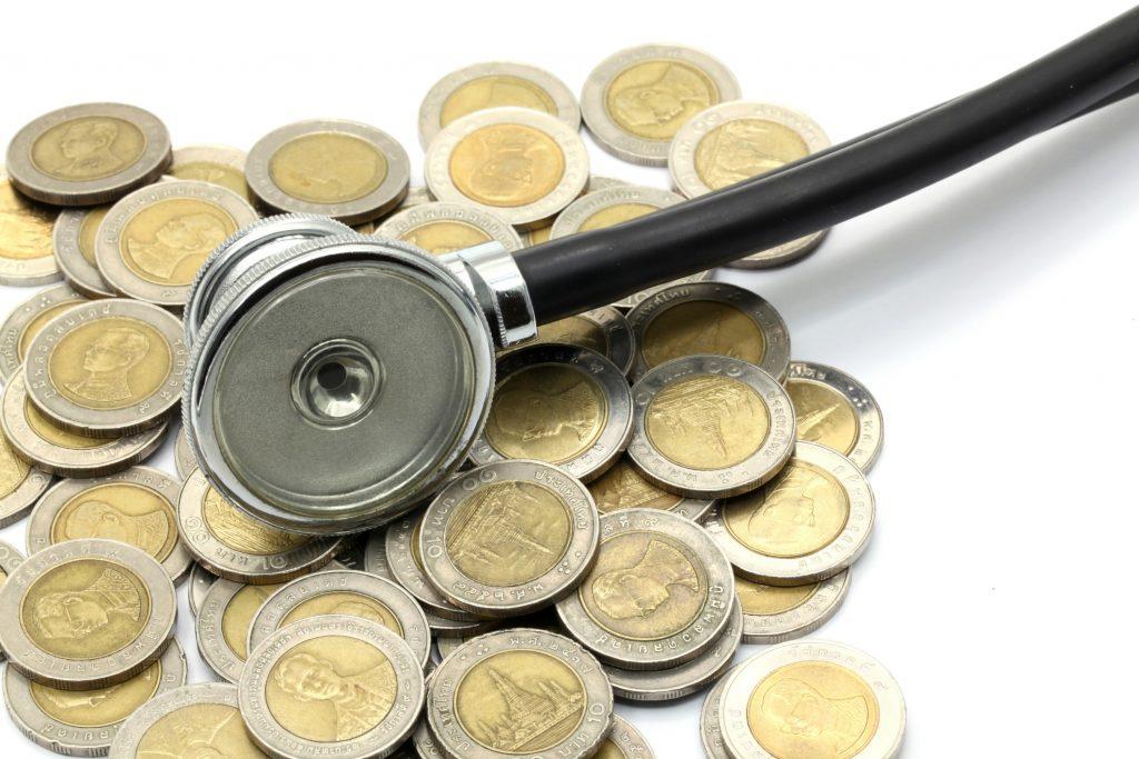 ferie, uheld, syg, sygdom, sygesikring, sundhed, kroppen, kvindekroppen, blå sygesikringskort, hospital, læge, tandlæge, økonomi, penge, styrelsen for patientsikkerhed