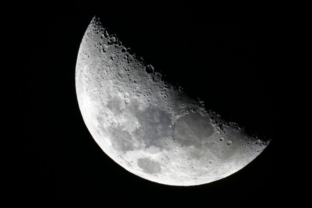 måne, månen, vand, forskning, videnskab, rum, rummet, universet, rumrejser, astronauter, månebase, fremtiden,