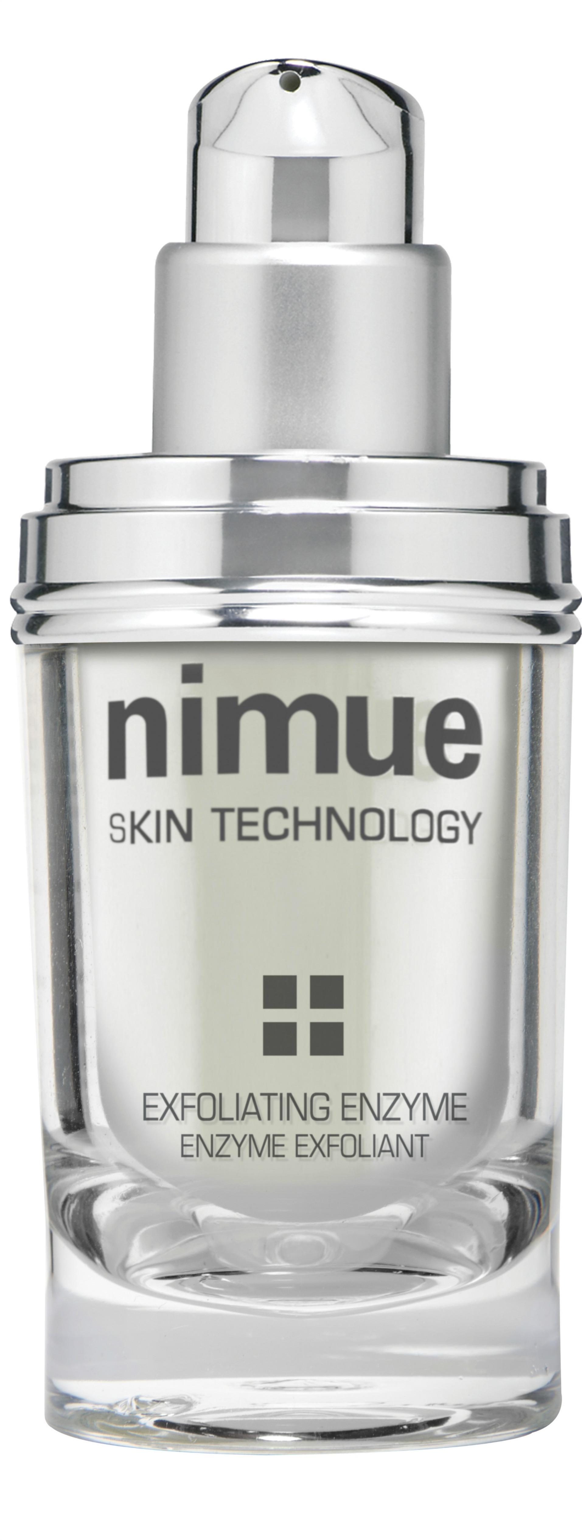 Exfoliating Enzyme udgør en vigtig del af Nimues hjemmeplejeprogram. Denne ikke-irriterende, biologiske peeling forfiner hudens tekstur og skaber en blød og strålende hud. Benyttes 2-3 gange ugentlig efter Cleansing Gel. Velegnet til: Miljøbelastet hud, hyperpigmenteret hud og problematisk hud. Ingredienser: Papaya- og ananasenzymer.