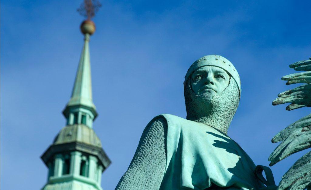 københavn, fødselsdag, middelalder, moderne, by, kystby, absalon, saxo, historie, kirkegår, spøgelser, diskotek absalon, kort,