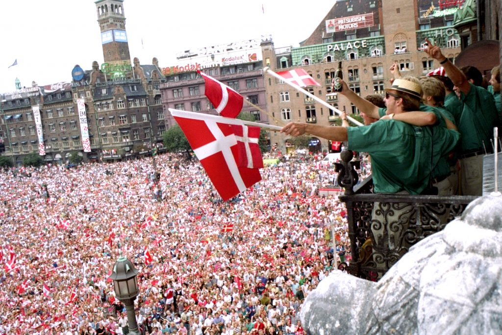 em, em 1992, fodbold, københavn, fødselsdag, middelalder, moderne, by, kystby, absalon, saxo, historie, kirkegår, spøgelser, diskotek absalon,