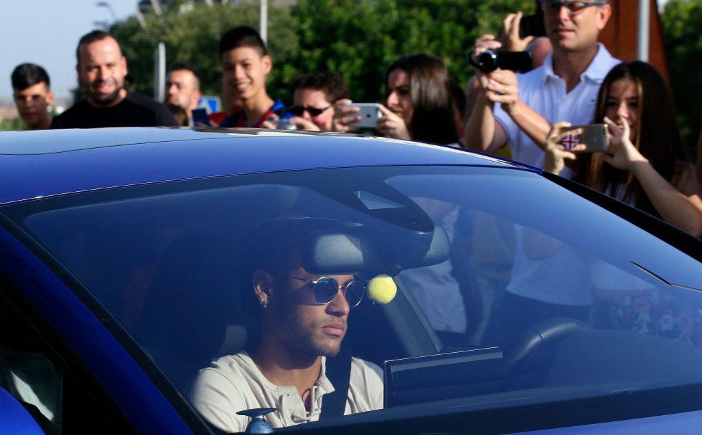 neymar, barcelona, fc barcelona, paris saint-germain, paris, fodbold, sport, transfer, transfervindue, pris, penge, salg, løn,