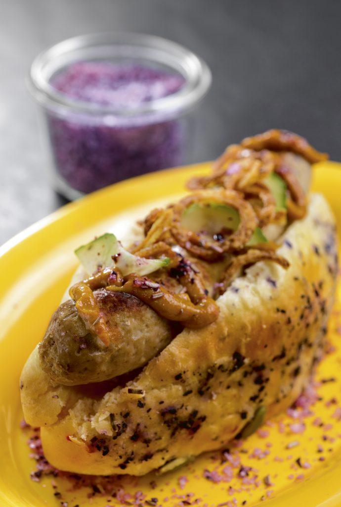 Hamborg hotdog, verdens bedste hotdog, bog, kogebog, opskrift, hamborg, karryketchup, kartoffelbrød