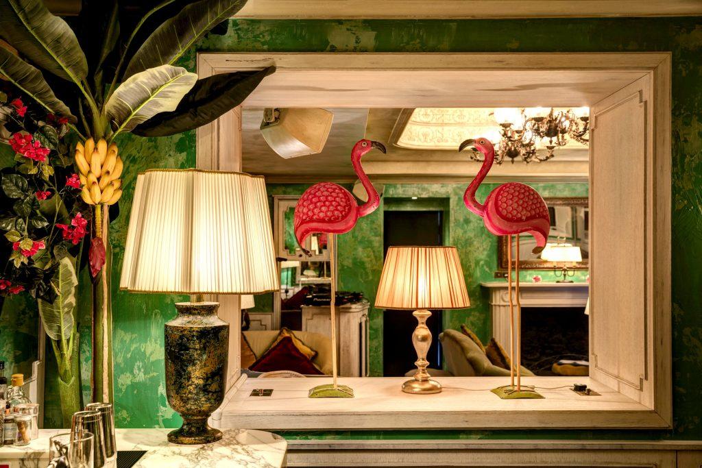 Carsten William Larsen, flamingo, flamingoer, flamingoen, dyr, fugl, trend, sommer, blogger, bloggere, badedyr, oppustelig, kitsch, kult, con amore, design, babyboom, byggeboom, usa, the pink flamingo, featherstone, lyserød, lene alfa rist,