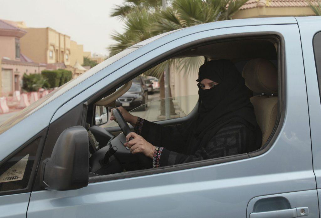 saudi-arabien, kong salman, kvinder, ligestilling, kørekort, køre, bil, amnesty international, mænd, ligestilling, rettigheder, transport, dekret