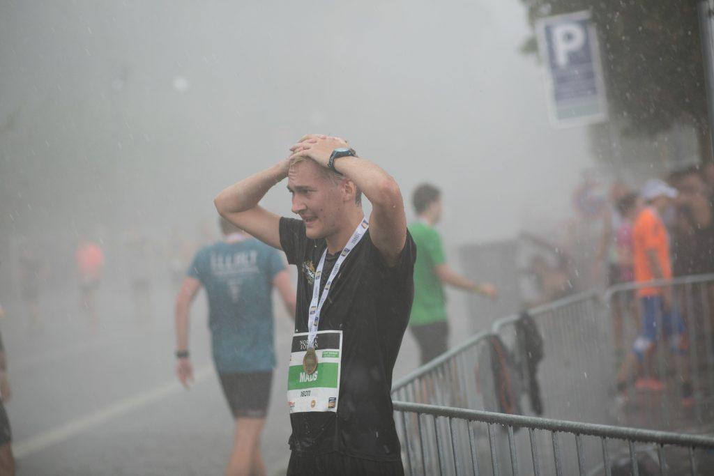 copenhagen half marathon, halvmarathon, københavn, lyn, lynnedslag, skybrud, regn, løb, tilskadekomne, vand, aflysning, strøm, sport