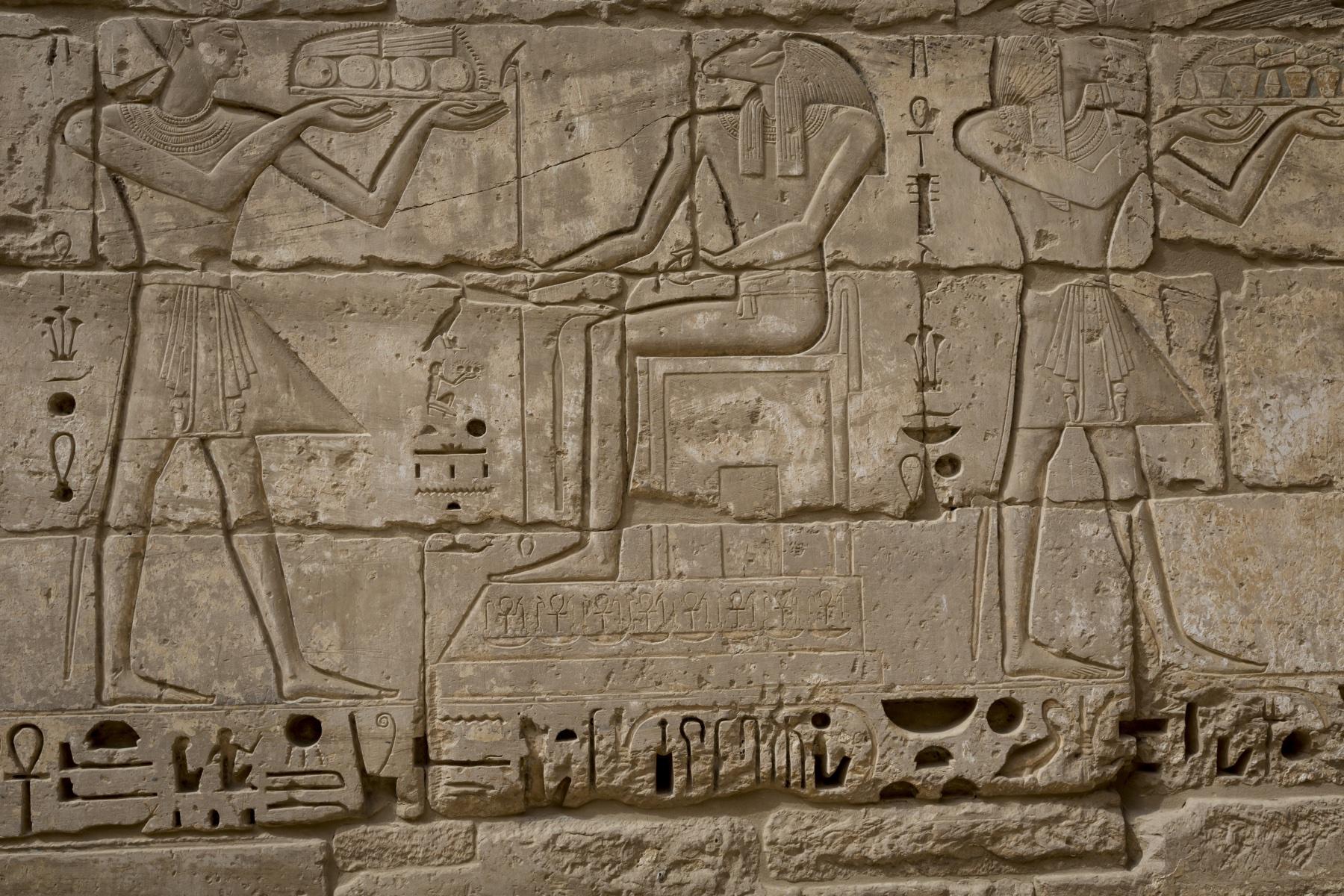 De gamle egyptere troede også, at de skulle hjælpe kroppen med at komme af med affaldsstoffer – ligesom de troede, at hvis de lagde en død persons hjerne i en skål, så fik vedkommende et godt efterliv. (Foto: All Over)